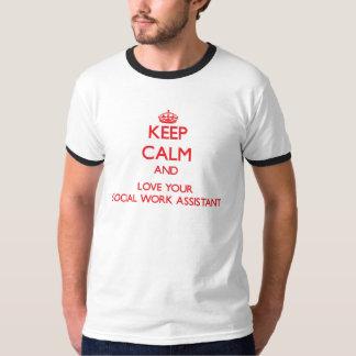 Mantenha a calma e ame seu assistente do trabalho camiseta