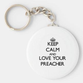 Mantenha a calma e ame seu pregador chaveiro