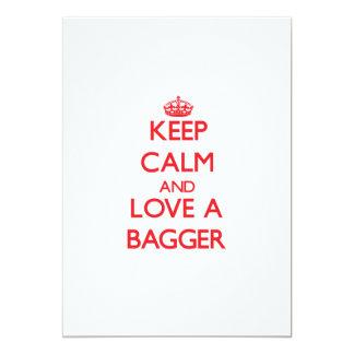 Mantenha a calma e ame um Bagger Convite