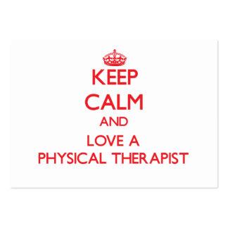 Mantenha a calma e ame um fisioterapeuta modelos cartão de visita