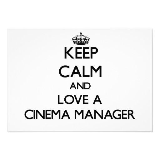 Mantenha a calma e ame um gerente do cinema convites personalizado