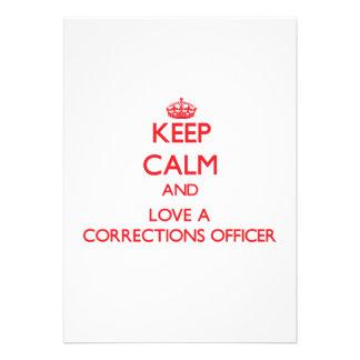Mantenha a calma e ame um oficial de correções convite