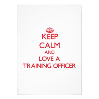 Mantenha a calma e ame um oficial do treinamento convites