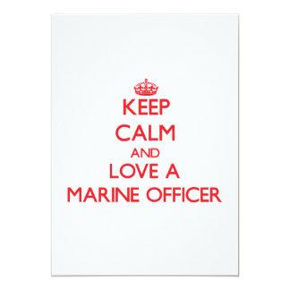 Mantenha a calma e ame um oficial marinho convite 12.7 x 17.78cm