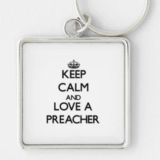 Mantenha a calma e ame um pregador chaveiro quadrado na cor prata
