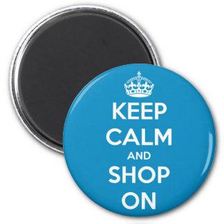 Mantenha a calma e comprar no azul brilhante ímã redondo 5.08cm