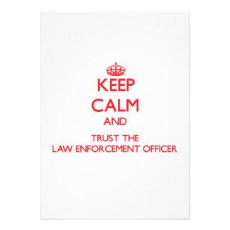 Mantenha a calma e confie o agente da autoridade convites personalizado