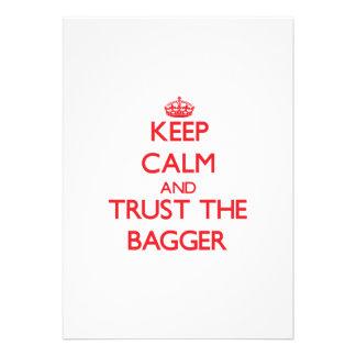 Mantenha a calma e confie o Bagger Convite Personalizado
