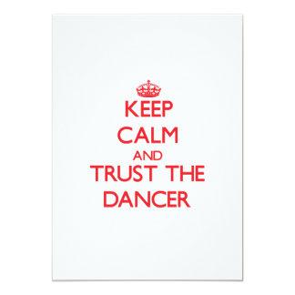 Mantenha a calma e confie o dançarino convite