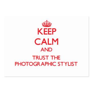 Mantenha a calma e confie o estilista fotográfico modelos cartão de visita