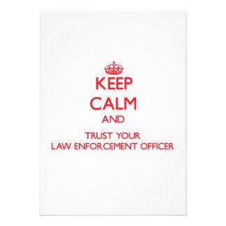 Mantenha a calma e confie seu agente da autoridade convites