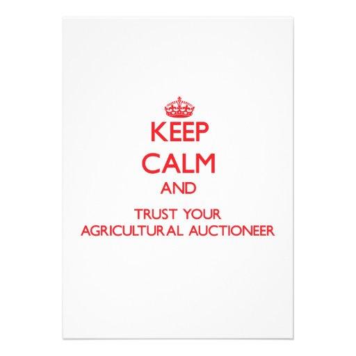 Mantenha a calma e confie seu leiloeiro agrícola convites personalizado