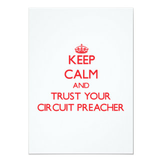 Mantenha a calma e confie seu pregador do circuito convites personalizado