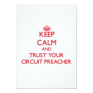 Mantenha a calma e confie seu pregador do circuito convite 12.7 x 17.78cm