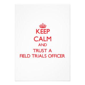 Mantenha a calma e confie um oficial das experimen convites personalizados