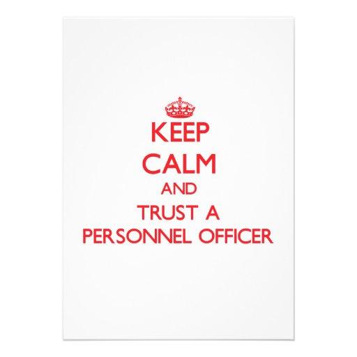 Mantenha a calma e confie um oficial de pessoais convites personalizados