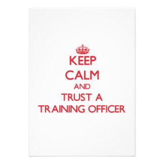 Mantenha a calma e confie um oficial do treinament convites personalizado