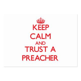 Mantenha a calma e confie um pregador cartão de visita