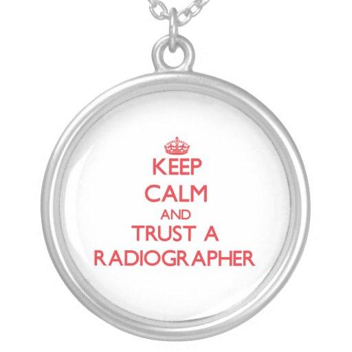 Mantenha a calma e confie um técnico de radiologia bijuterias personalizadas