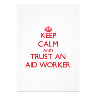 Mantenha a calma e confie um trabalhador de auxíli convite