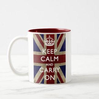 Mantenha a calma e continue com Union Jack Caneca De Café Em Dois Tons