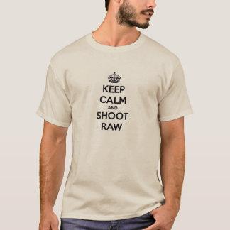 Mantenha a calma e dispare em cru camiseta