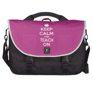 Mantenha a calma e ensine-a no slogan bolsa para computador portátil