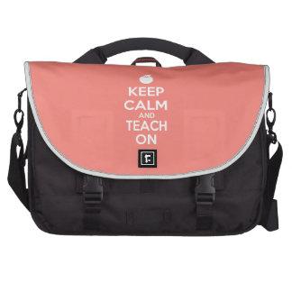 Mantenha a calma e ensine-a no slogan mochila para notebook