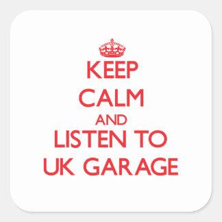 Mantenha a calma e escute a GARAGEM BRITÂNICA Adesivo Em Forma Quadrada