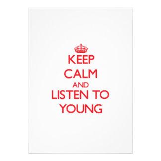 Mantenha a calma e escute jovens convites personalizado