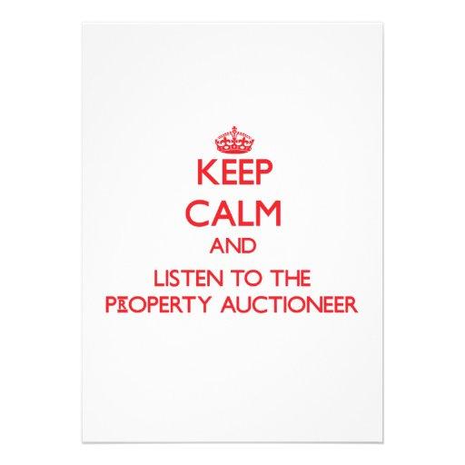 Mantenha a calma e escute o leiloeiro da proprieda convite personalizado