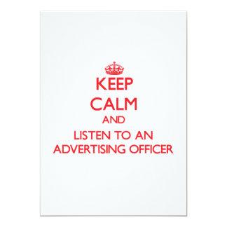 Mantenha a calma e escute um oficial da propaganda convite 12.7 x 17.78cm