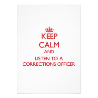 Mantenha a calma e escute um oficial de correções convites personalizado