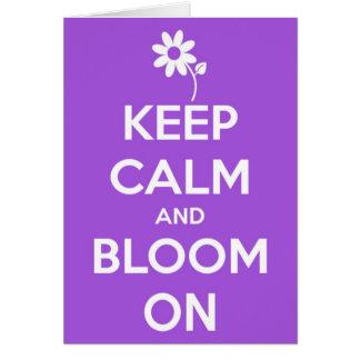 Mantenha a calma e floresça no roxo cartão comemorativo