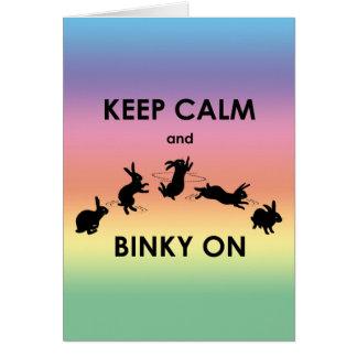 Mantenha a calma e o Binky no cartão (o arco-íris)