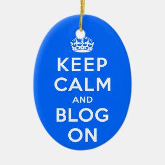 Mantenha a calma e o blogue sobre ornamento de cerâmica oval