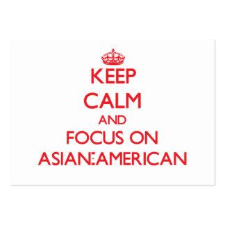 Mantenha a calma e o foco em ASIÁTICO-AMERICANO