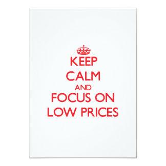 Mantenha a calma e o foco em baixos preços convite