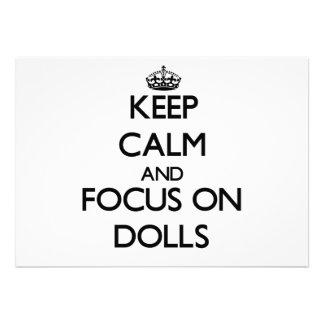 Mantenha a calma e o foco em bonecas convites