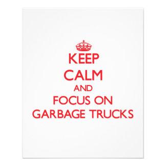 Mantenha a calma e o foco em caminhões de lixo panfleto personalizados