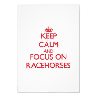 Mantenha a calma e o foco em cavalos de corrida convites personalizados