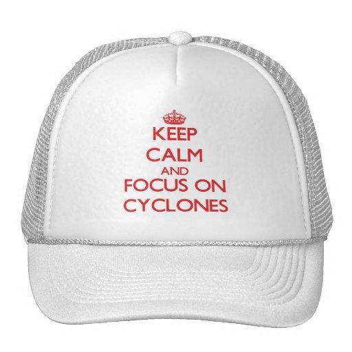 Mantenha a calma e o foco em ciclones bone
