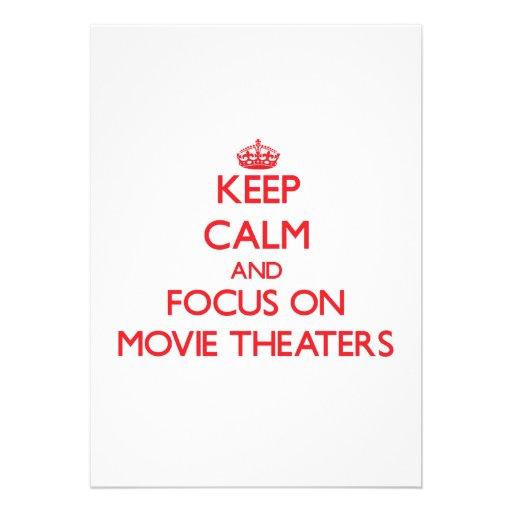 Mantenha a calma e o foco em cinemas convites personalizados