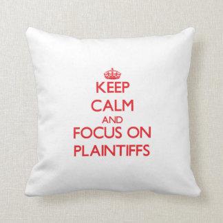 Mantenha a calma e o foco em demandantes travesseiros