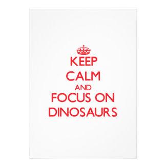 Mantenha a calma e o foco em dinossauros