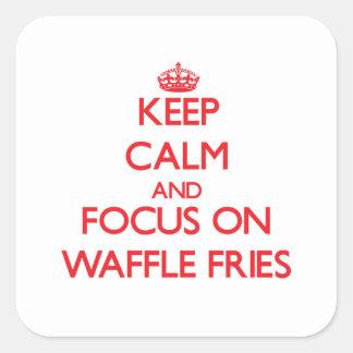 Mantenha a calma e o foco em fritadas do Waffle Adesivos Quadrados