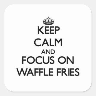 Mantenha a calma e o foco em fritadas do Waffle Adesivo Em Forma Quadrada