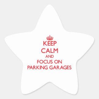 Mantenha a calma e o foco em garagens de adesivos estrelas