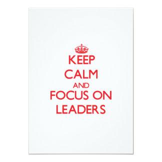 Mantenha a calma e o foco em líderes convites personalizados