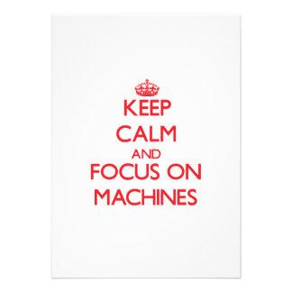 Mantenha a calma e o foco em máquinas convites